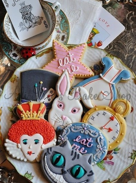 alice in the wonderland cookies