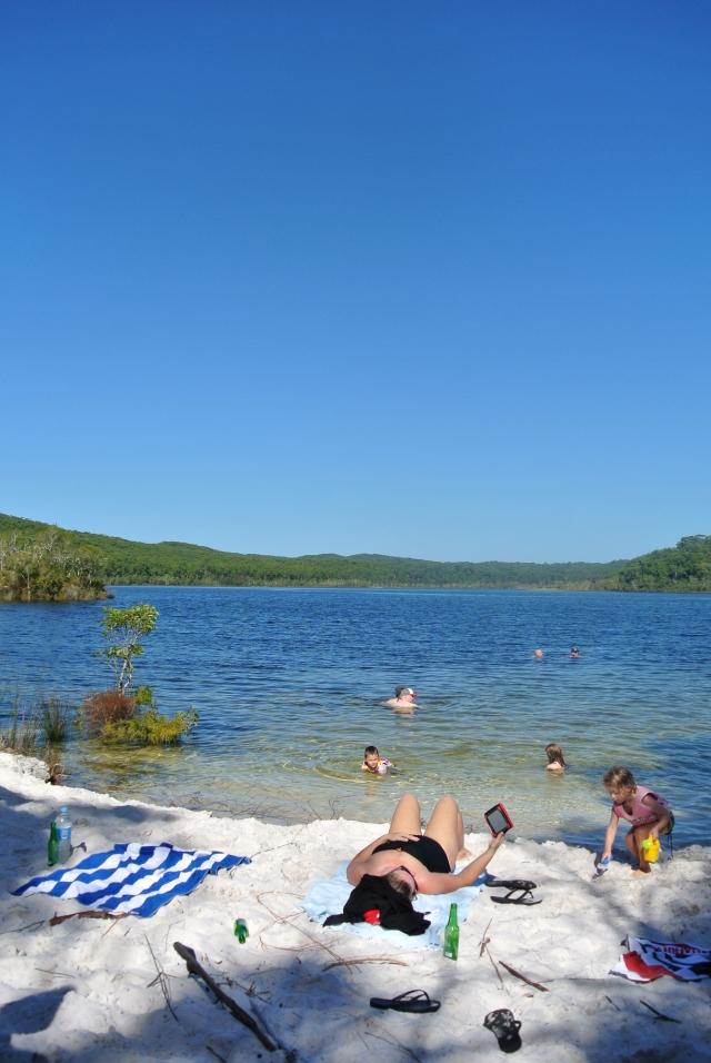 Fraser_Island_Lake_McKenzie